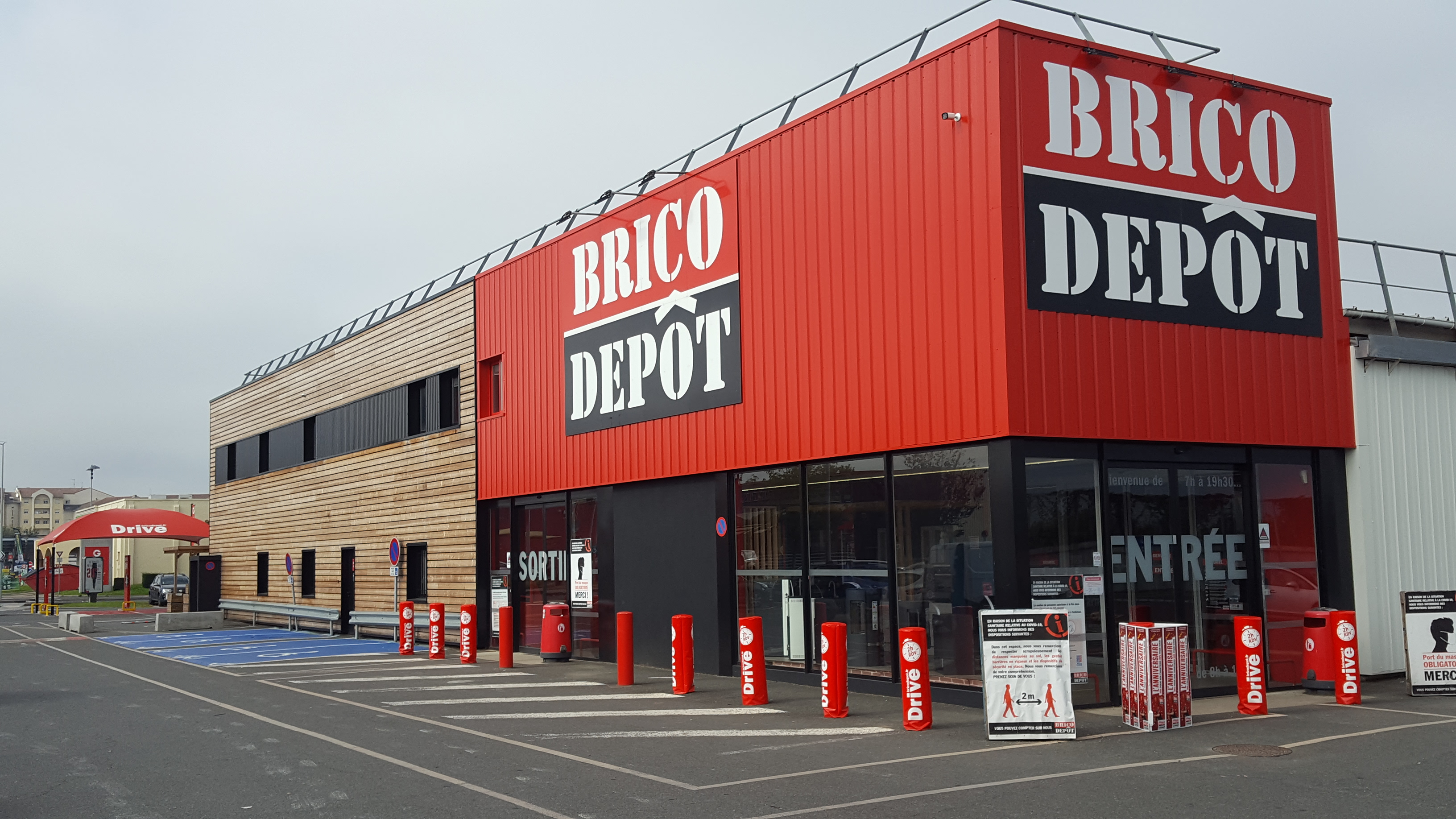 Magasin bricolage reims stunning beauxarts with magasin - Magasin ouvert reims dimanche ...