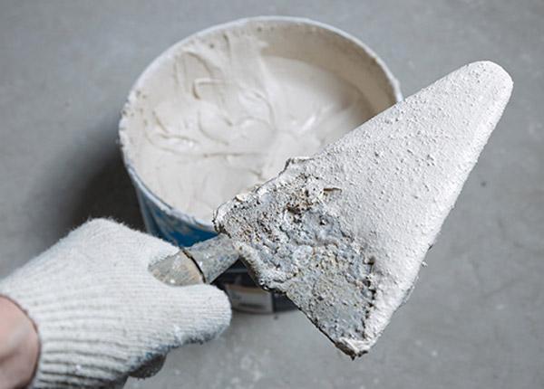 Plâtre et colle