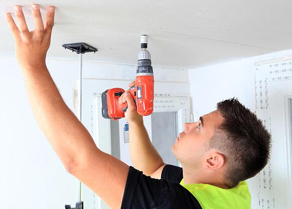 Comment poser un plafond suspendu ?