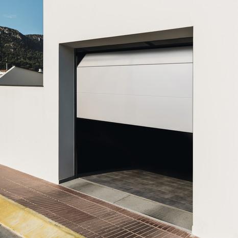 Porte De Garage Sectionnelle Motorisee H 200 Cm L 240 Cm Blanche