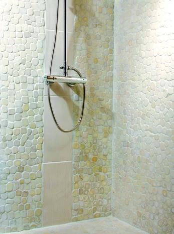 plaque de galets marbre mix m lang sur filet brico d p t. Black Bedroom Furniture Sets. Home Design Ideas