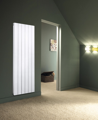 radiateur acier fa ade rainur e vertical 1 833 w h 180. Black Bedroom Furniture Sets. Home Design Ideas