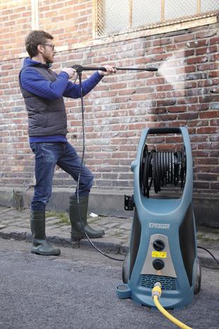 haute-pression pour nettoyage tous types de surfaces 180 bar 550 l