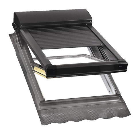 velux avec volet roulant amazing volet de toiture sur. Black Bedroom Furniture Sets. Home Design Ideas