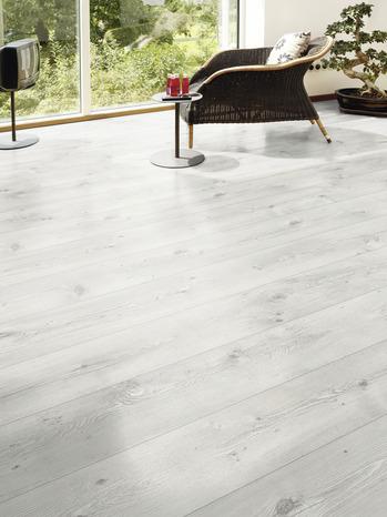 rev tement de sol stratifi clipser lame large p 8 mm brico d p t. Black Bedroom Furniture Sets. Home Design Ideas