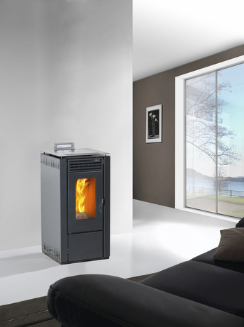 po le granules flame 6 kw brico d p t. Black Bedroom Furniture Sets. Home Design Ideas