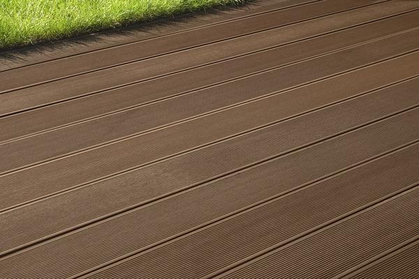 Lame de terrasse composite coloris chocolat brico d p t - Bois exterieur brico depot ...