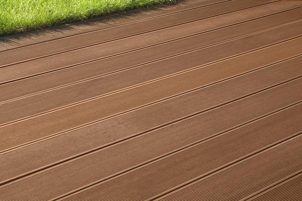 Lame de terrasse composite coloris noisette brico d p t - Lames terrasse composite brico depot ...