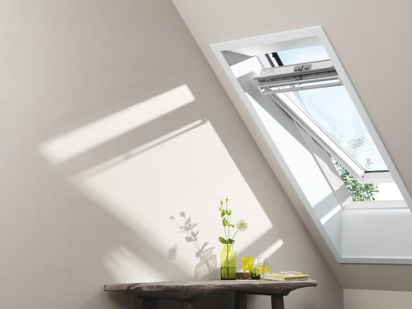 fen tre de toit en bois l 55 cm x h 78 brico d p t. Black Bedroom Furniture Sets. Home Design Ideas