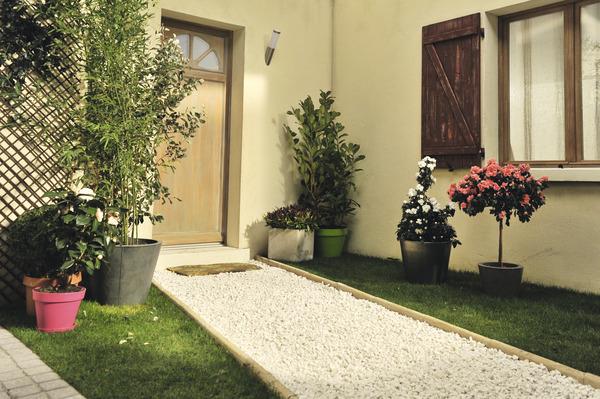gravier calcaire de calibre 6 12 par 25 kg brico d p t. Black Bedroom Furniture Sets. Home Design Ideas