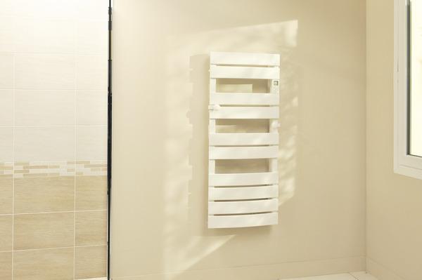 s che serviette lectrique en aluminium 750 w brico d p t. Black Bedroom Furniture Sets. Home Design Ideas