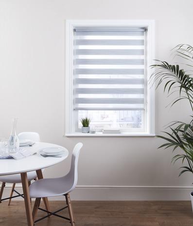 store enrouleur jour nuit polyester z br blanc l 90 x h 180 cm brico d p t. Black Bedroom Furniture Sets. Home Design Ideas