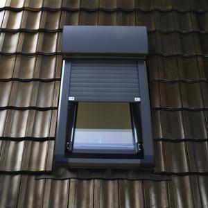 volets et stores pour fen tres de toit magasin de. Black Bedroom Furniture Sets. Home Design Ideas