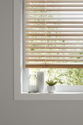 store v nitien bois finition ch ne clair l 60 cm x h 180 cm brico d p t. Black Bedroom Furniture Sets. Home Design Ideas